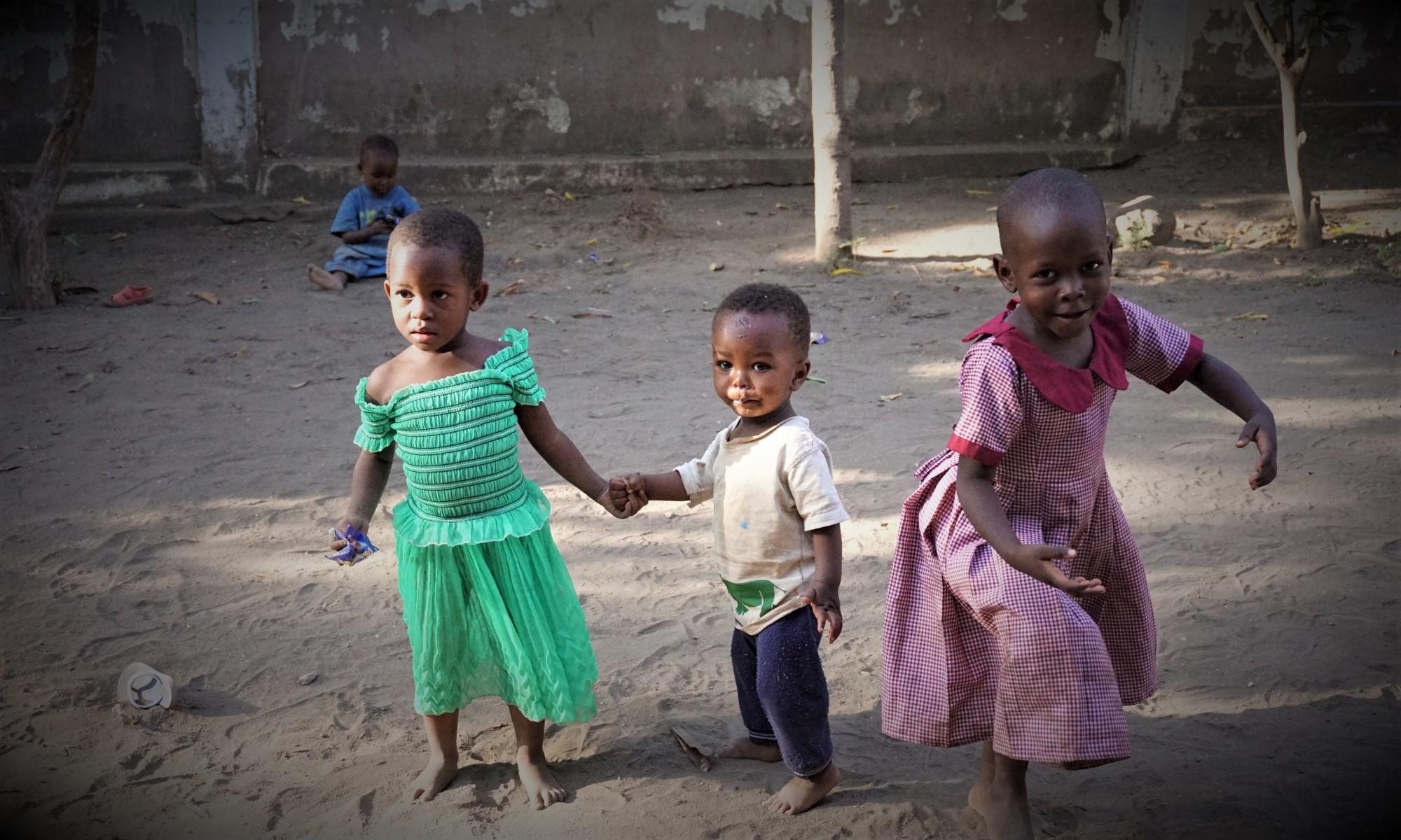 Maya, Evans und die tanzende Lydia